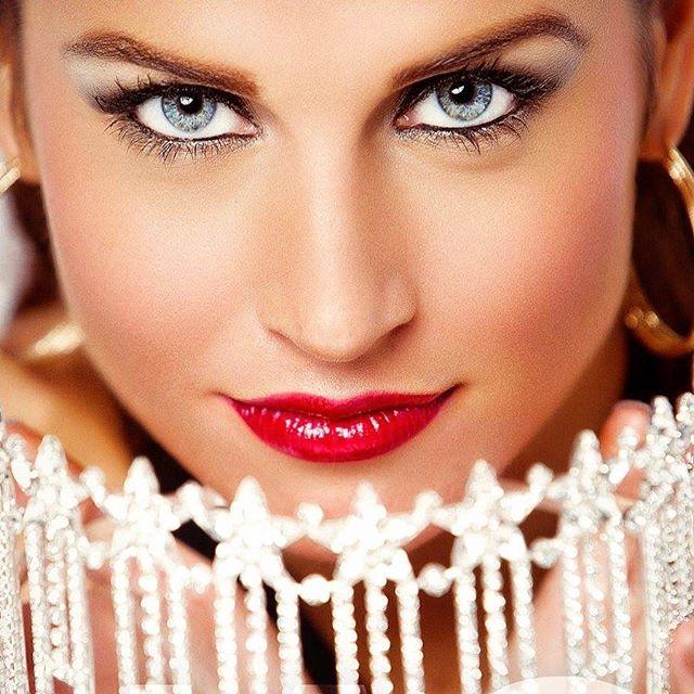 #pageantheadshots #pageant #atlantaphotographer #californiaphotographer #jasprophoto #jasproductions #beauty #makeup #crown