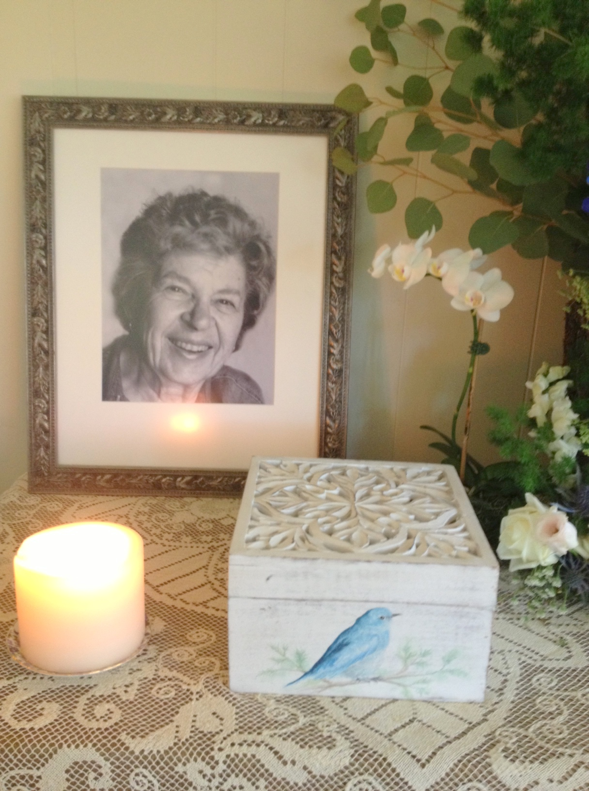 I painted a bluebird on the box that houses her remains, for it reminds me of my mom's beautiful blue eyes, and the little bluebird family that lived on the porch of their Montana home.