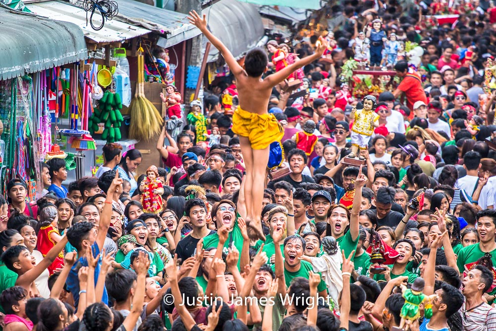 Santo Niño Celebrations  - January 2018.  Canon EOS 5D Mk III, EF 70-200mm F4/L @ F4, 200mm, 1/250 sec.  From the Photographic Story :  A Decade on One Street.