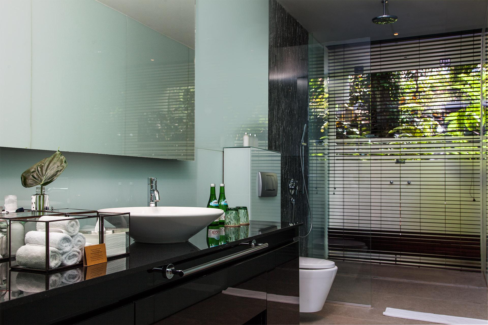 Bath Room at Guest Bedroom.jpg