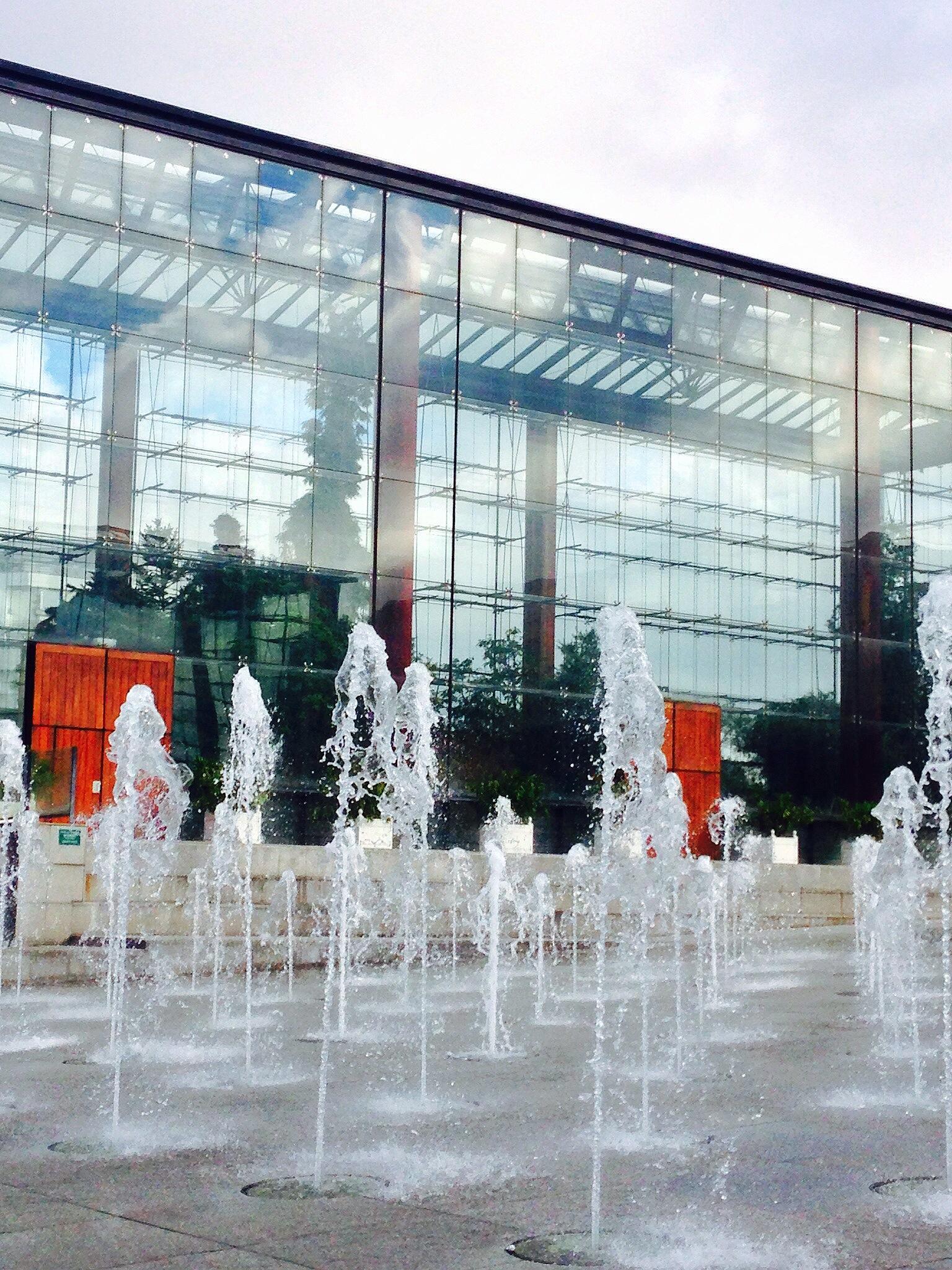 Now THAT'S a glasshouse (Parc Andre Citroen)