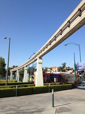 Monorail.... monorail... MONORAIL!