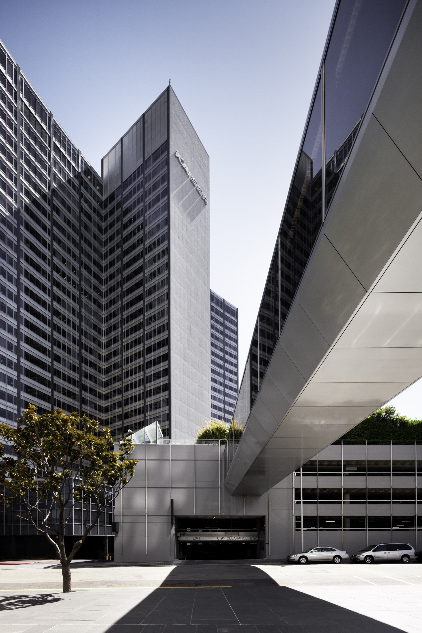 Kaiser Center  Oakland CA  Welton Becket & Associates   Back to Portfolios