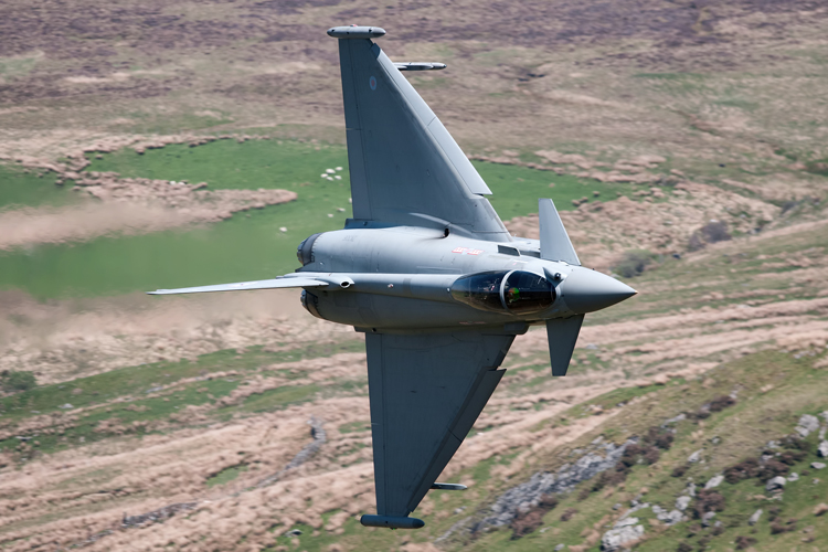 29(R) Squadron Eurofighter Typhoon FGR4 diving into Cad.