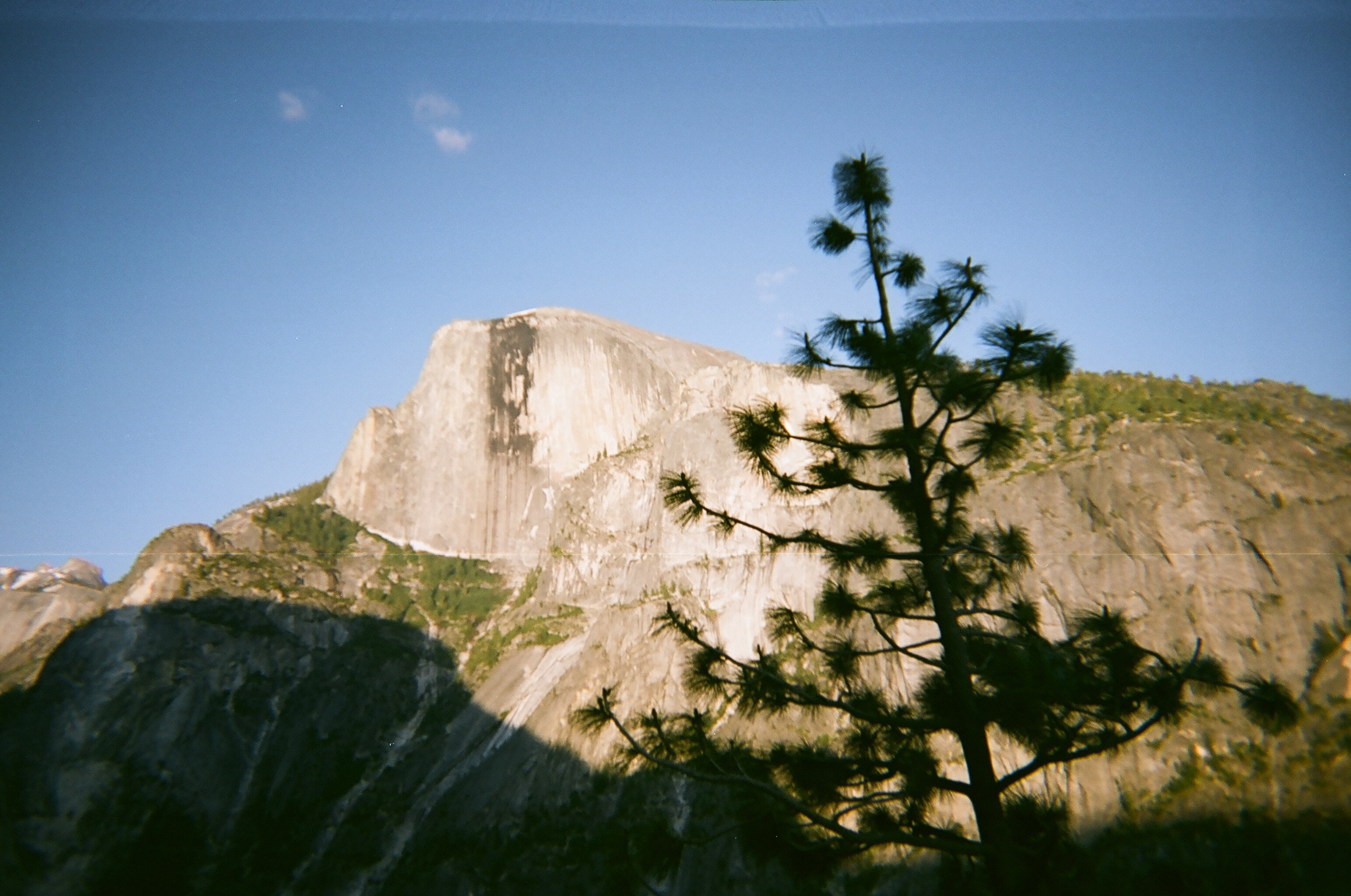 Cheap_analog_camera_pictures_002.JPG