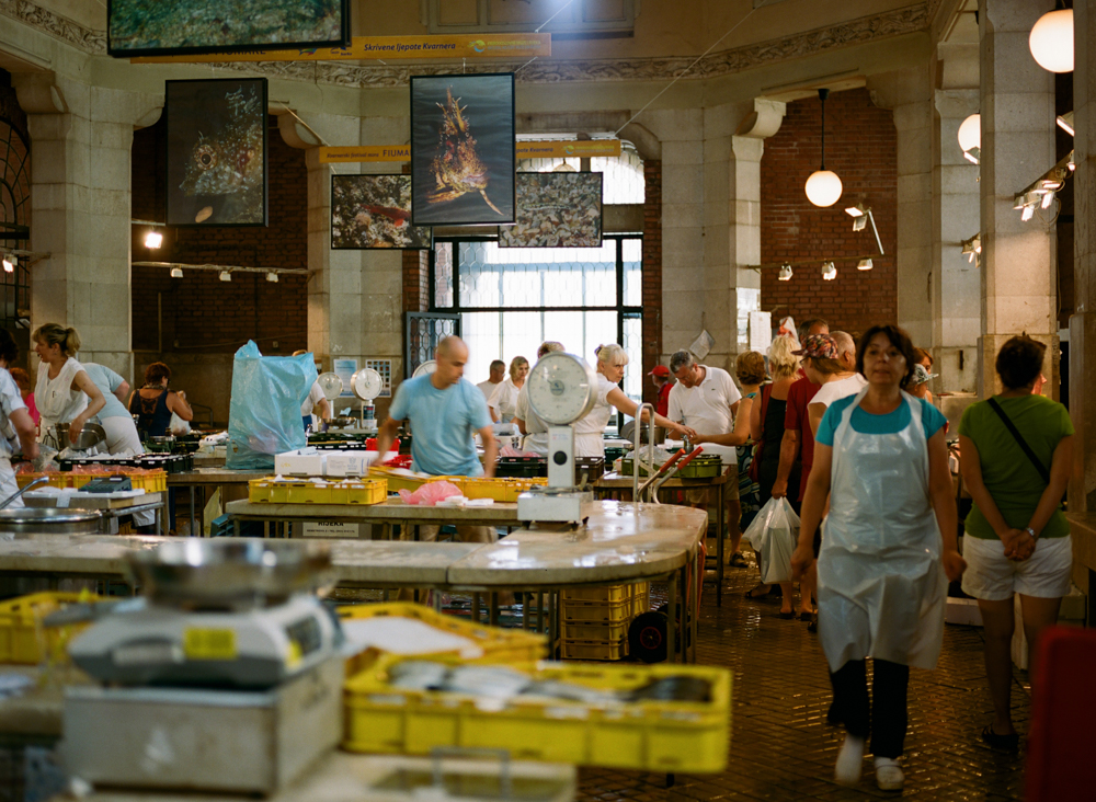 Fish Market,Pentax 645n, Portra 400 @200