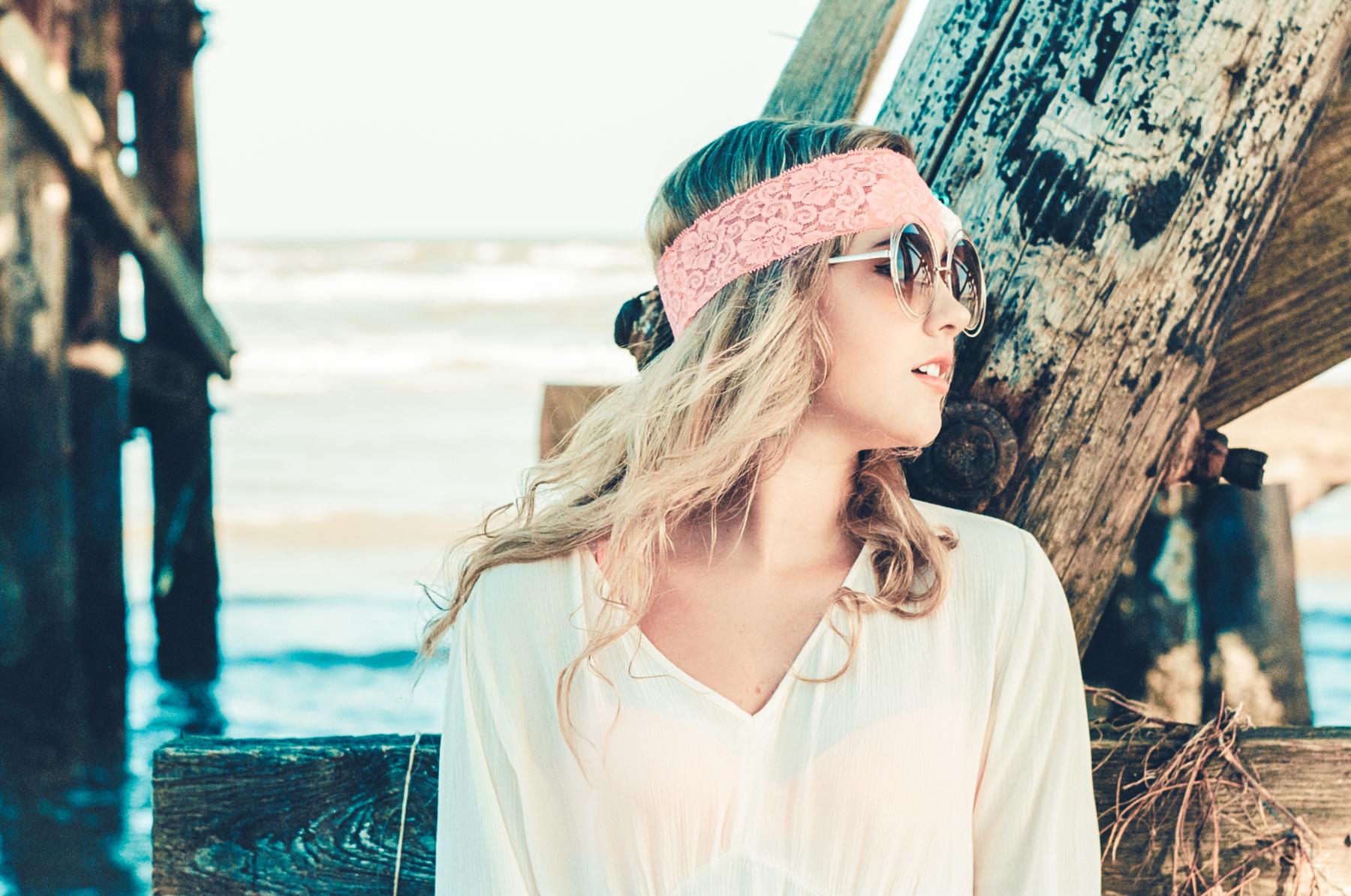 Beach Fashion Sheridan | Bessa R3A w/ Elmar 9cm | Ektar 100 | Achim Burgardt