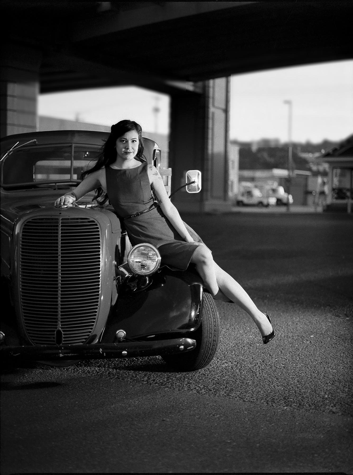 Jess-And-The-Old-Truck_Mamiya645AFDII_Kelly-ShaneFuller.jpg