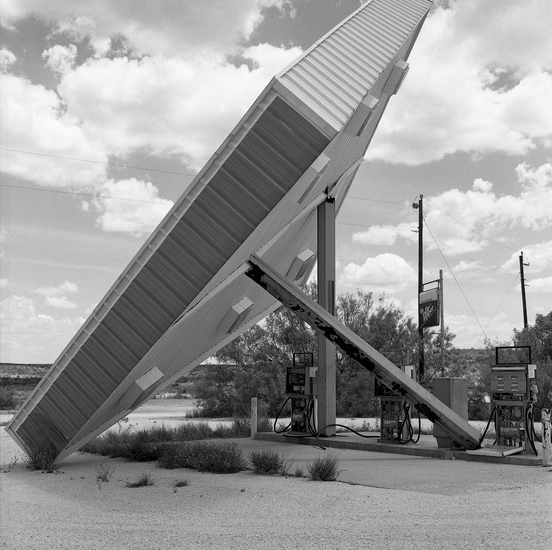 Broke Down | Hasselblad 500 | Kodak Tri-X | Amy Jasek