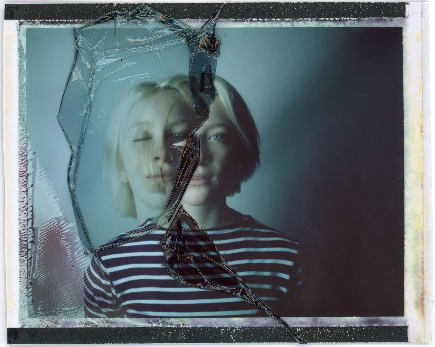DoubleX | Berenike | Polaroid Automatic100 | Urizen Freaza