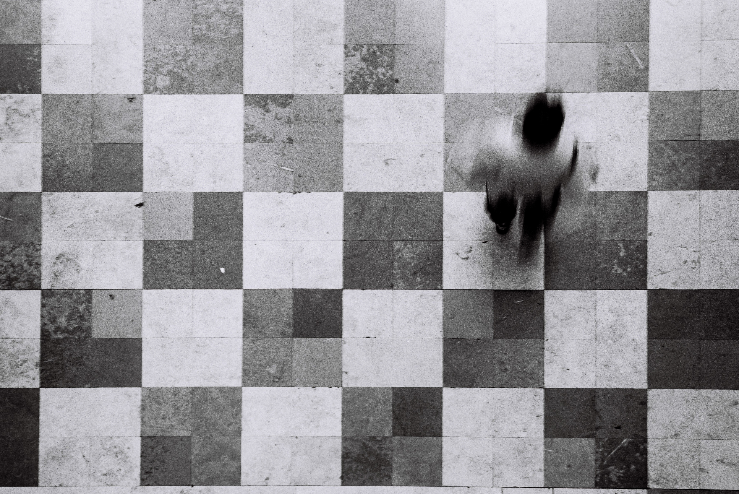 Robert Law  Human Chess  Voigtlander Bessa R Jupiter 50mm
