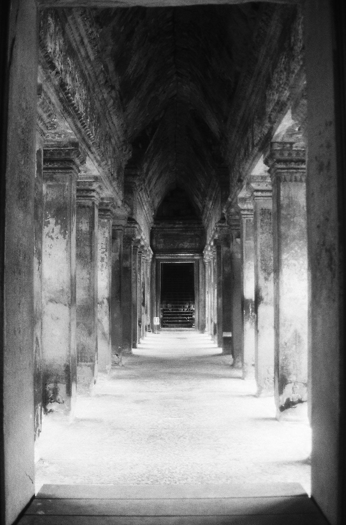 Ghost of Grandeur | Canon EOS 3000N | 35-80mm | Teresa Suratos