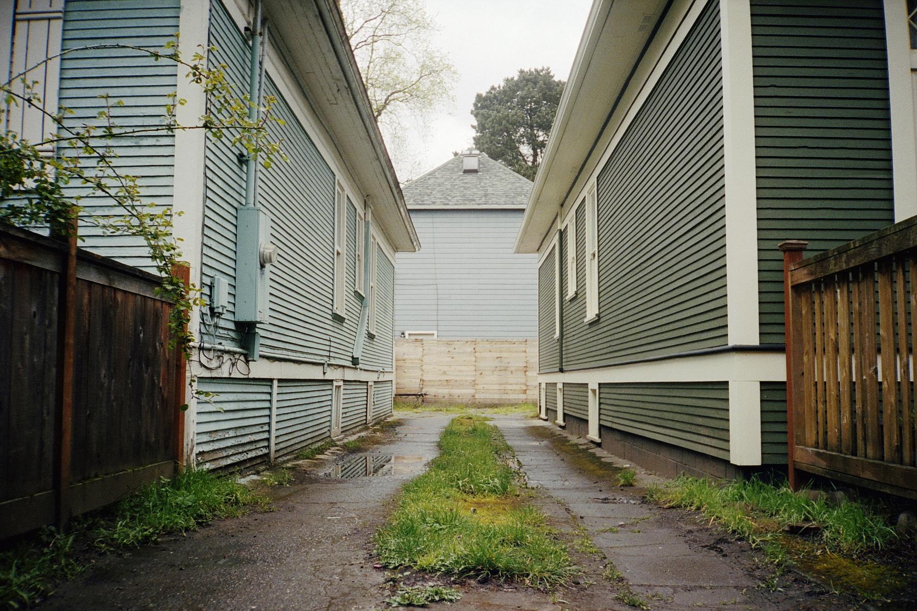 Driveway | Minolta PROD 20s | Kodak Portra 400 | Colton Allen