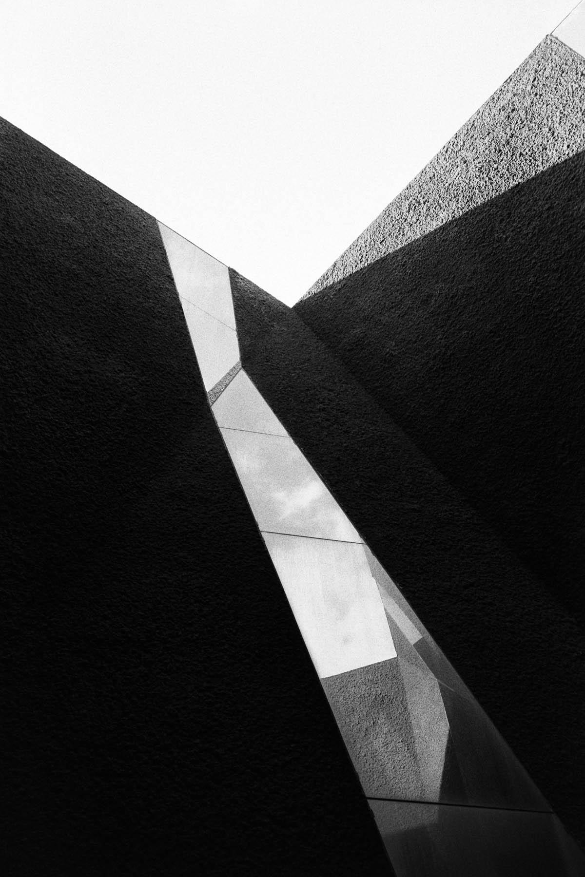 Incomplete Triangles | Leica M6 , Zeiss C Biogon 35mm F2.8, Rollei RPX 400 | Lilly Schwartz