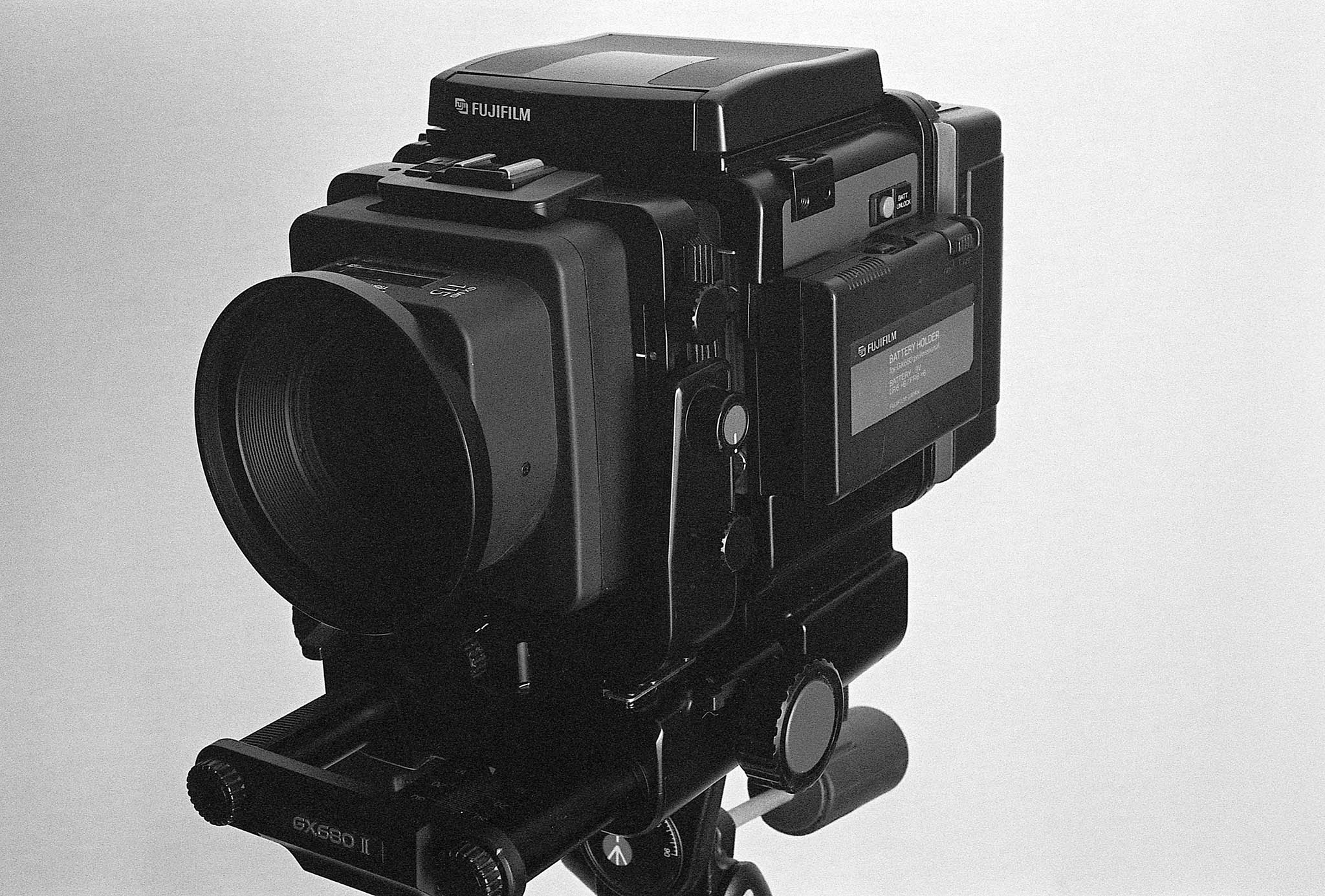 A medium format camera that behaves like a large format