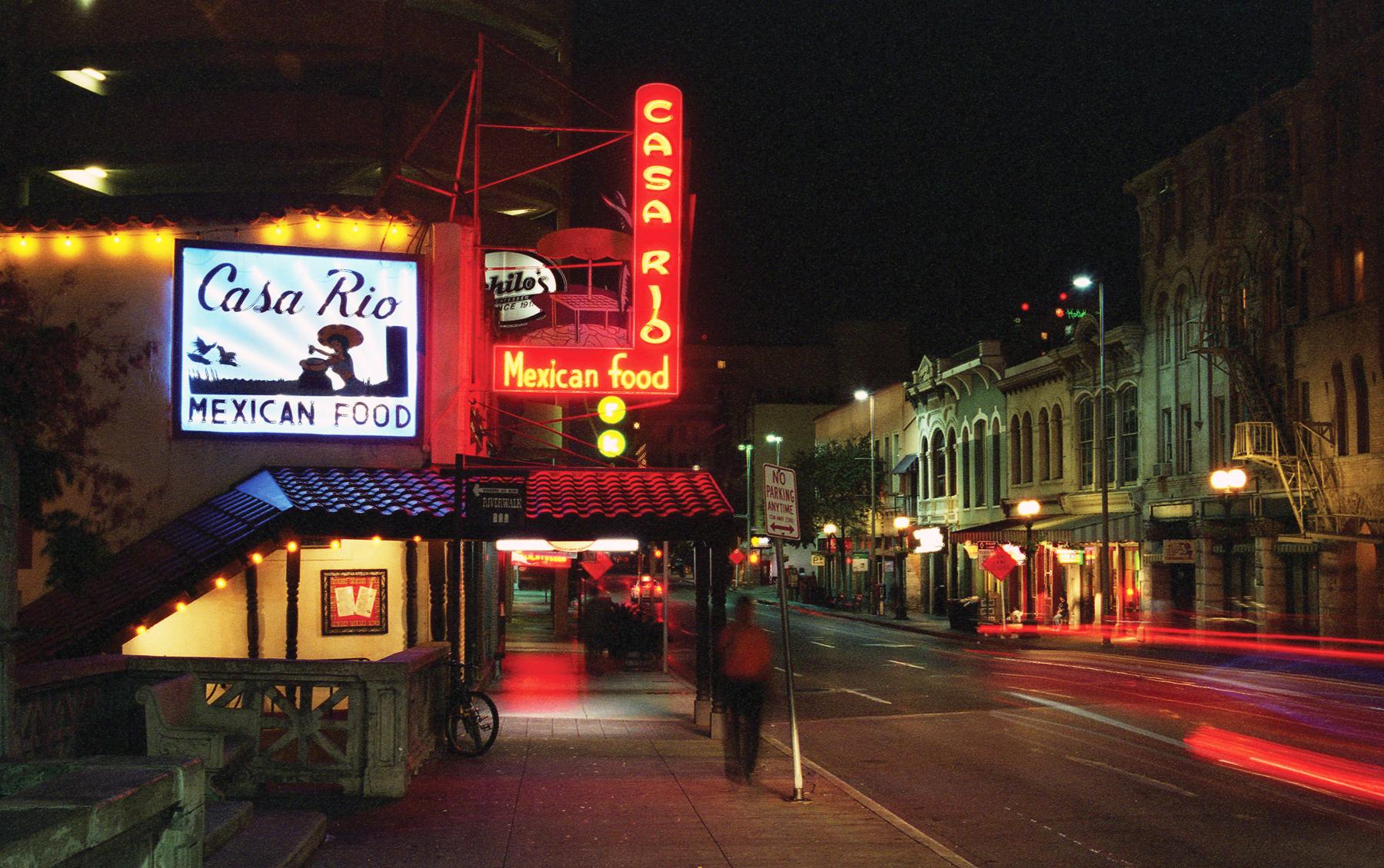Commerce Street San Antonio | Nikon N80 | Kodak GC 400 8 | Barbara Justice
