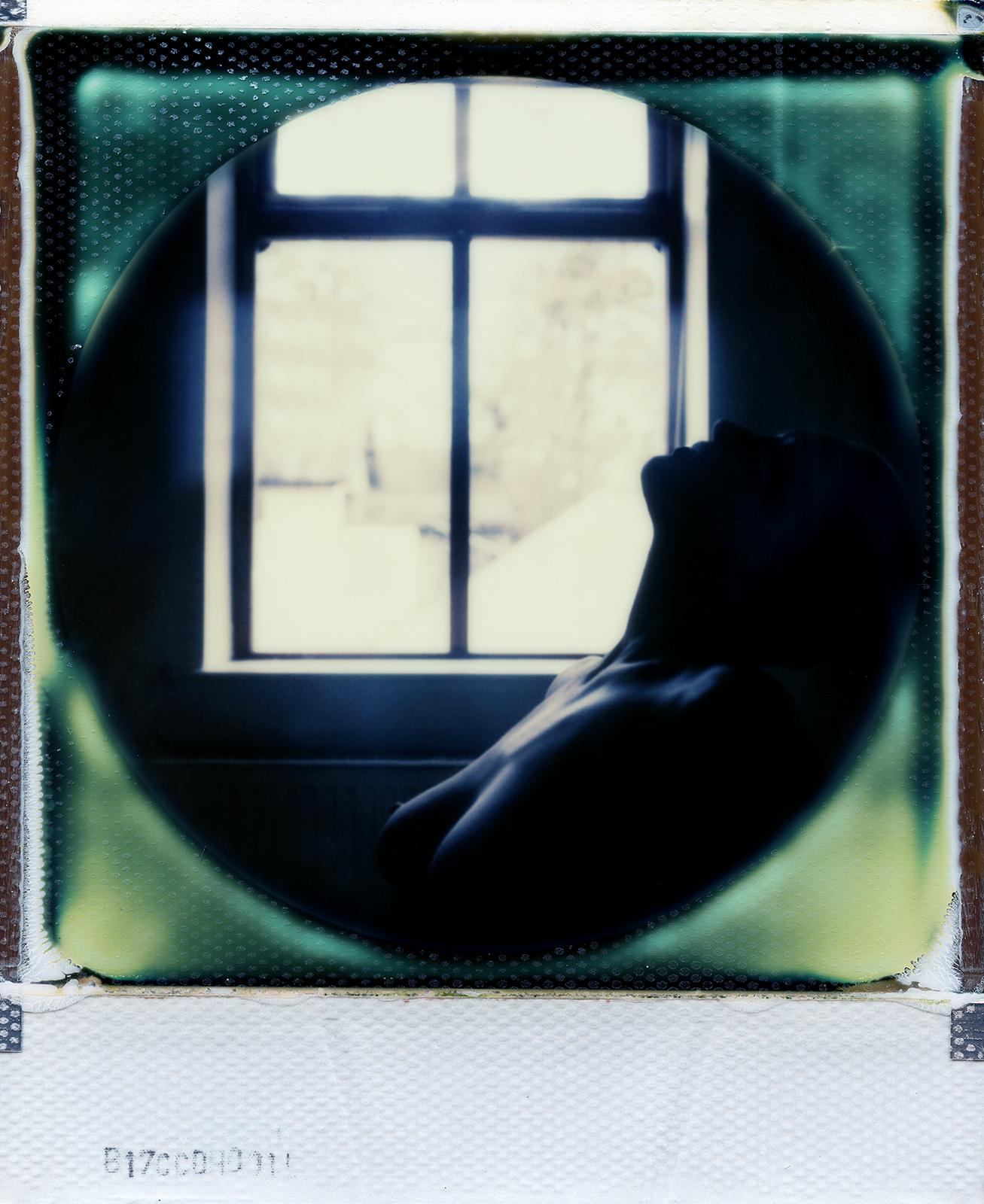 Still | Polaroid SX70 | Impossible Project 70 Color Round Frame | Dee Elegia | @iamelegia