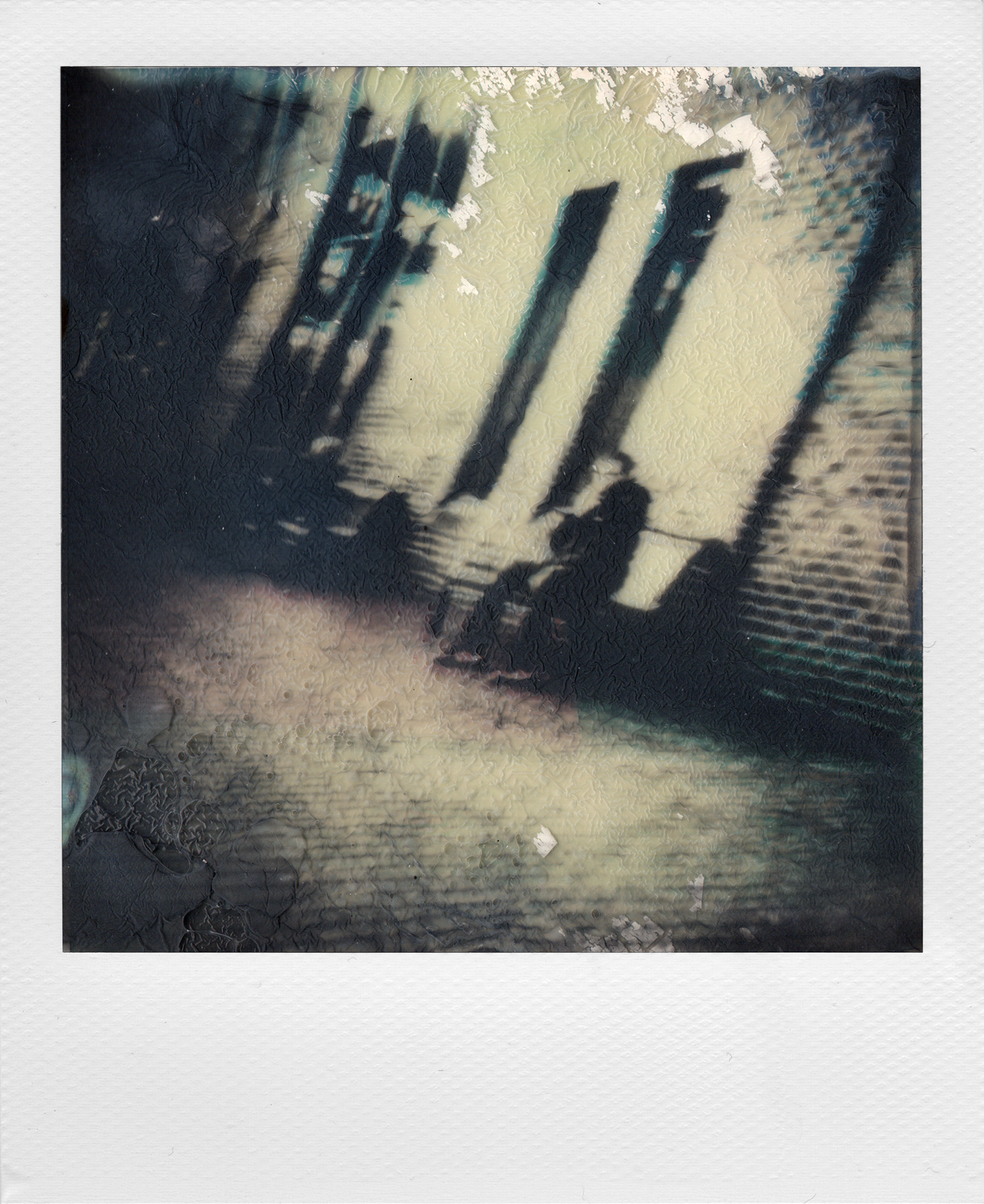 Espressionismo | Impossible Project Instant Lab | Impossible Project 600 BW | Claudio Gomboli | @caglom
