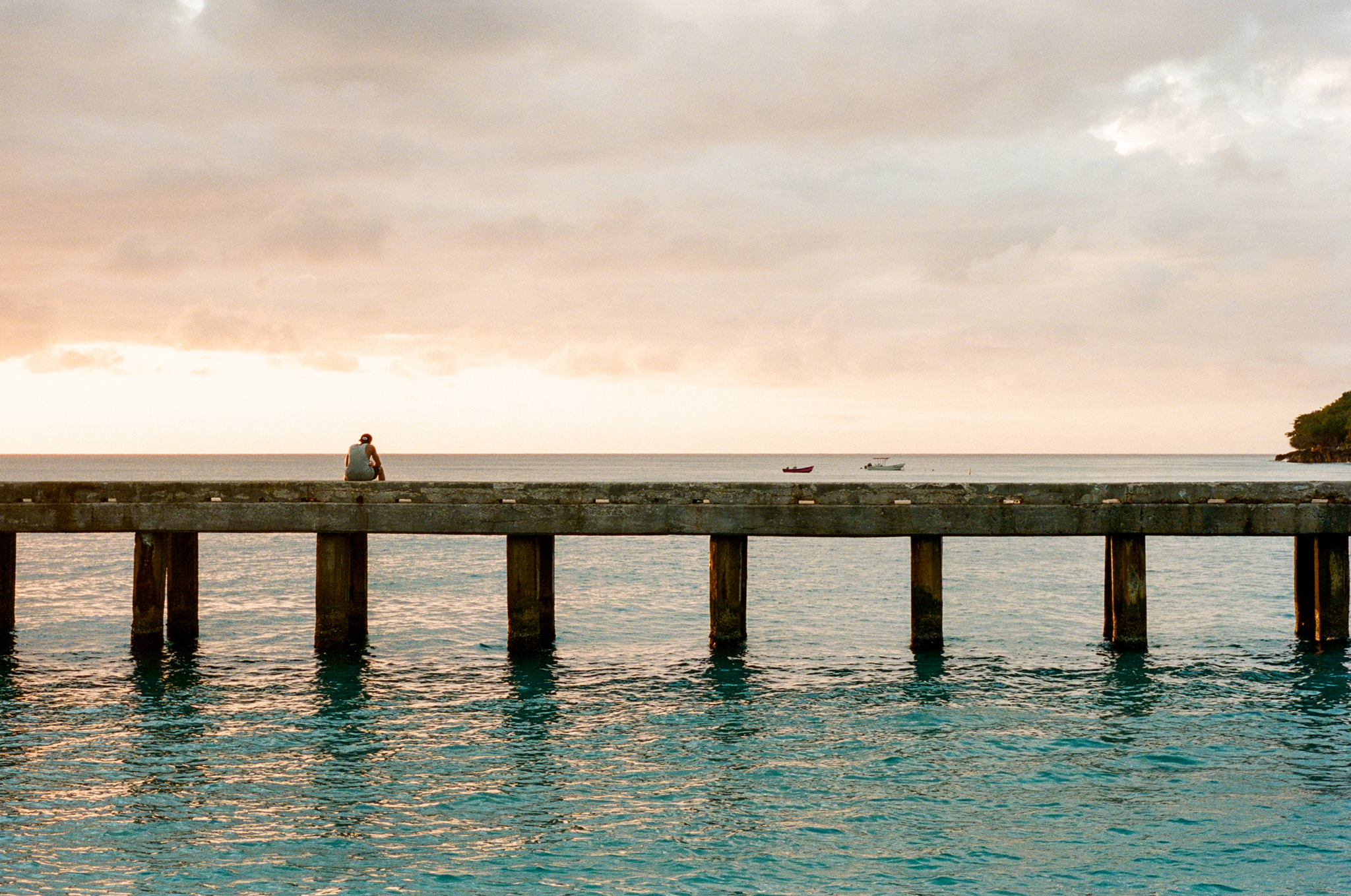 Crashboat | Leica M5 | Zeiss Planar 50mm Portra 800 | Alexander Bendo
