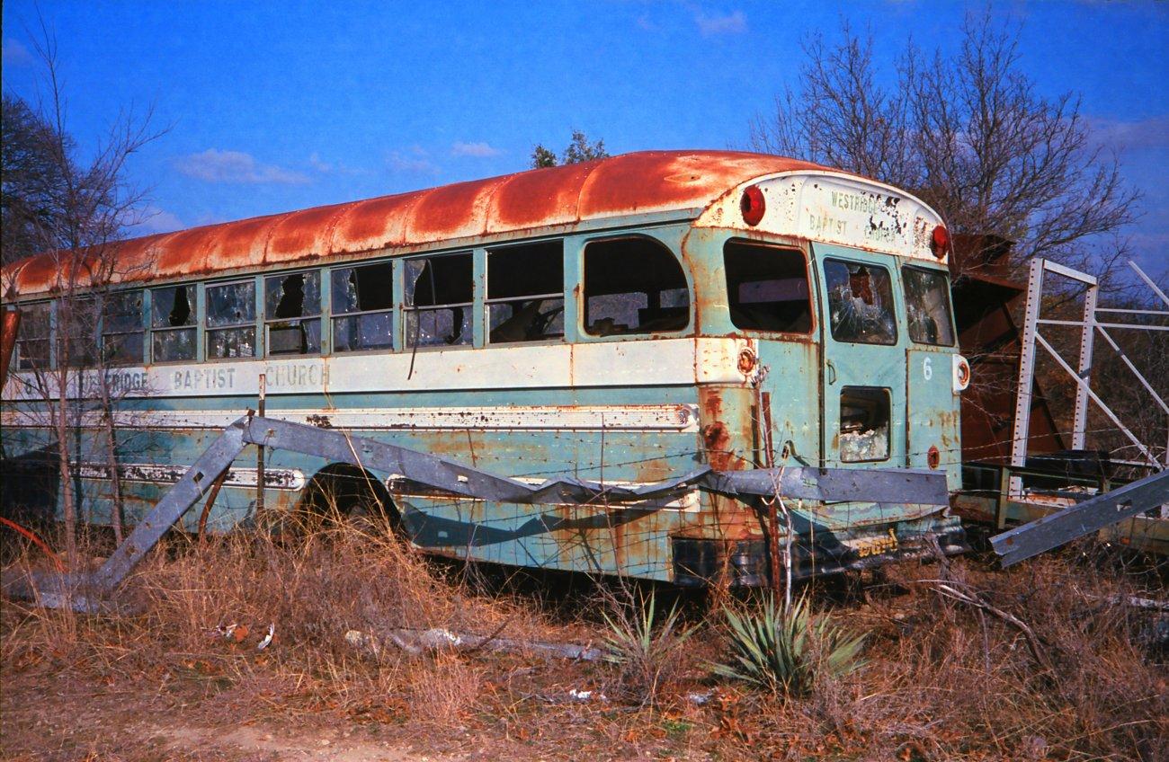 Rusty bus.jpg