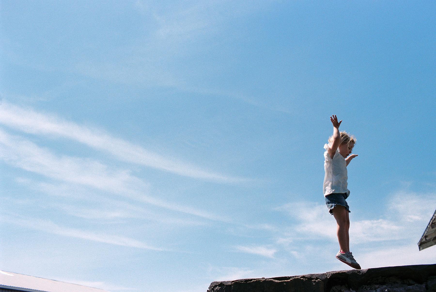 Into the Sky | Canon EOS 50E | Portra 400 | Danielle Beck