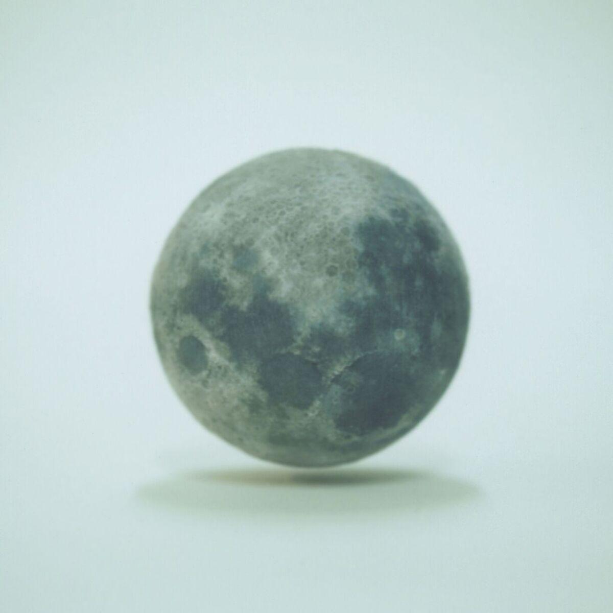 Moon | Polaroid-600SE | Fujifilm FP-100C | Luke Harby