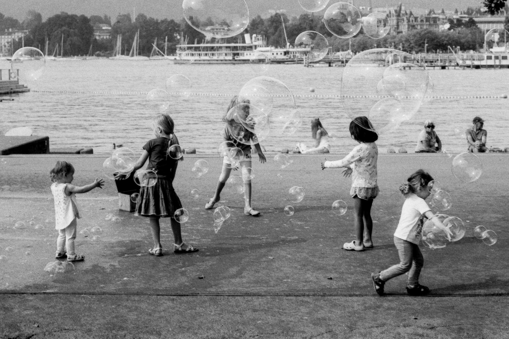 Daniel Stoessel | Kids and Bubbles | Canon AV-1 | Fomapan 100