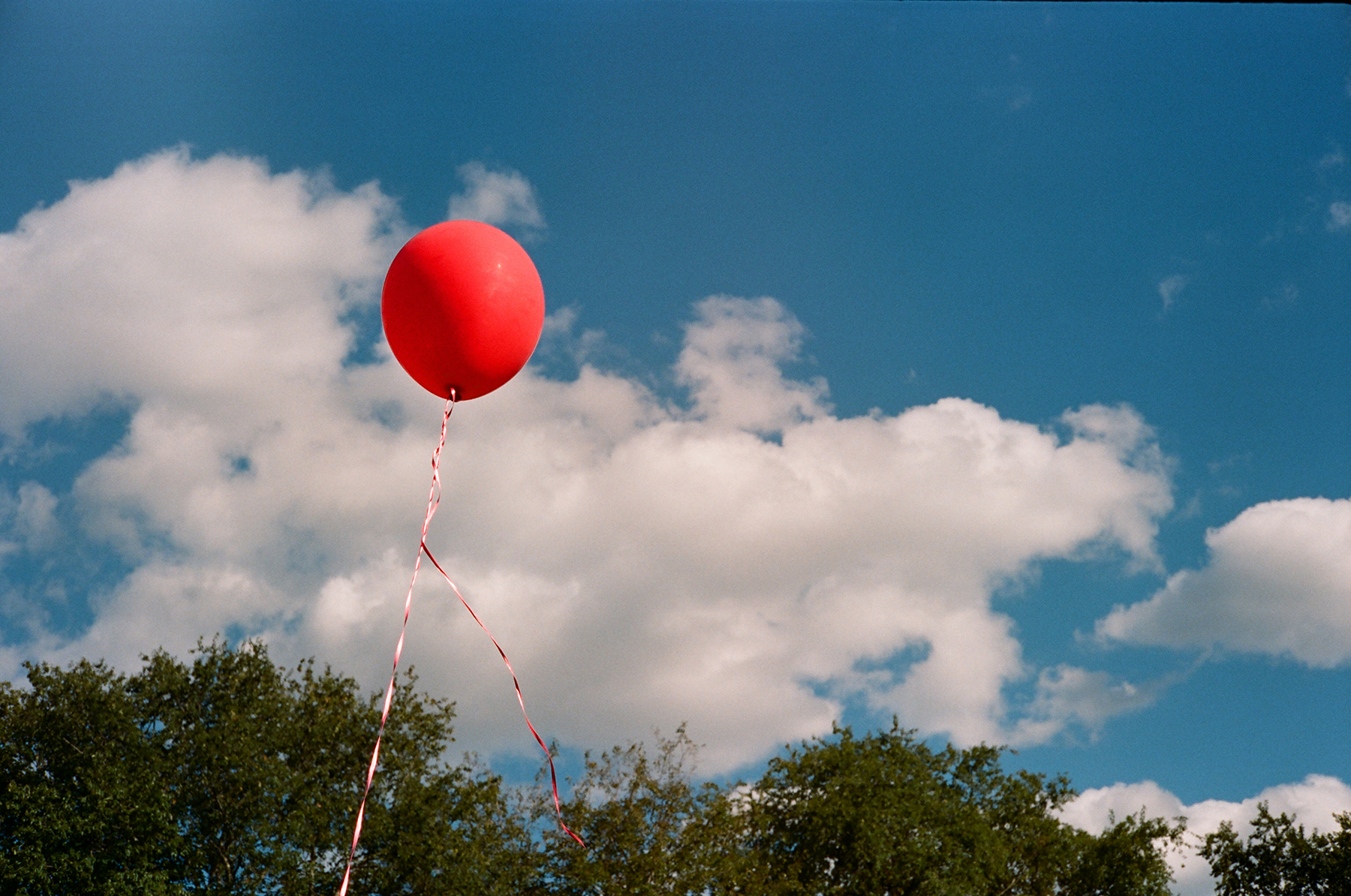 Red Balloon Blue Sky | Yashica Electro 35GS | Portra 160 | Ian Ross