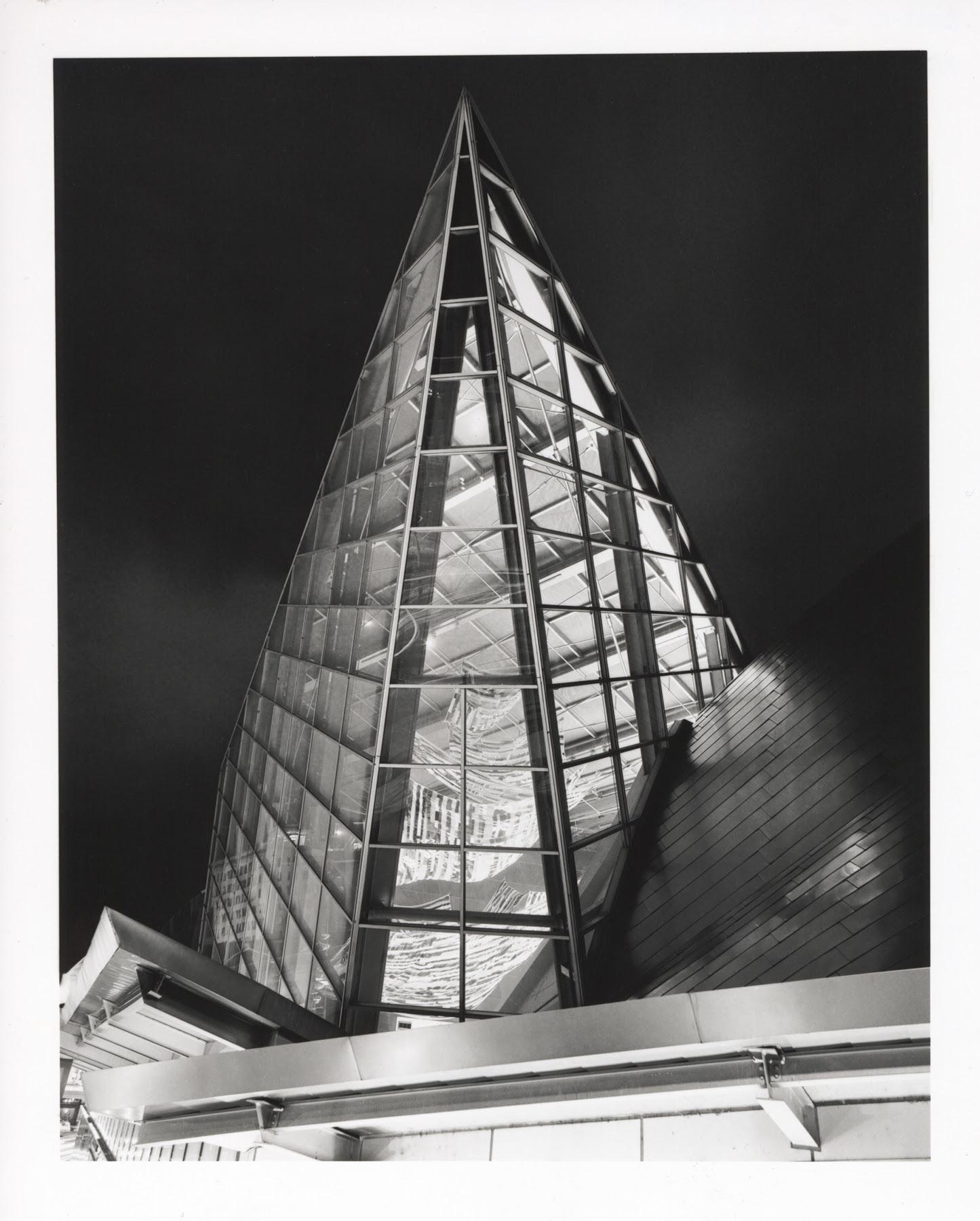 Paul Glover   Taubman Museum   Pentax 645A 45mm
