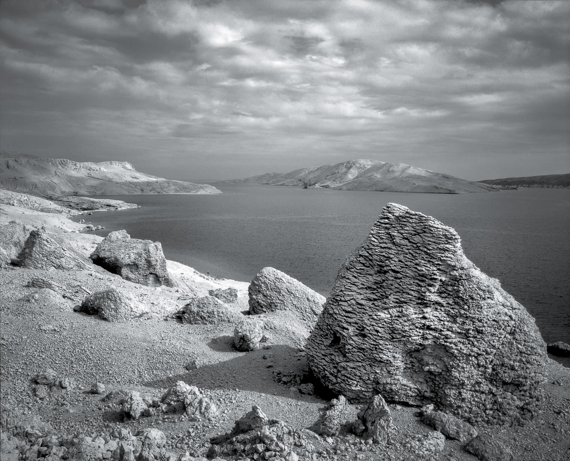Aeon Garden of Stones | Mamiya RZ76 | Rollei RPX 100 | Kornelije Sajler