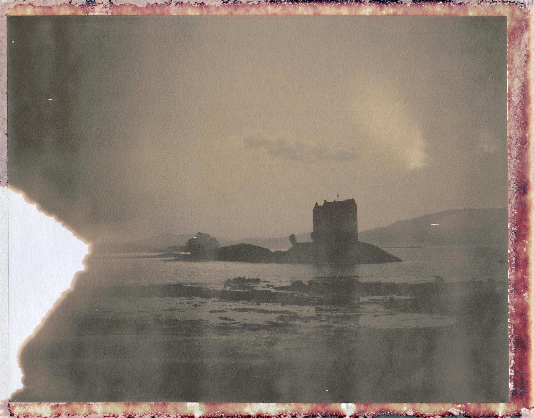 Caisteal An Stalcaire | Polaroid Land 350 | Polaroid 100 Chocolate | Ina Echternach