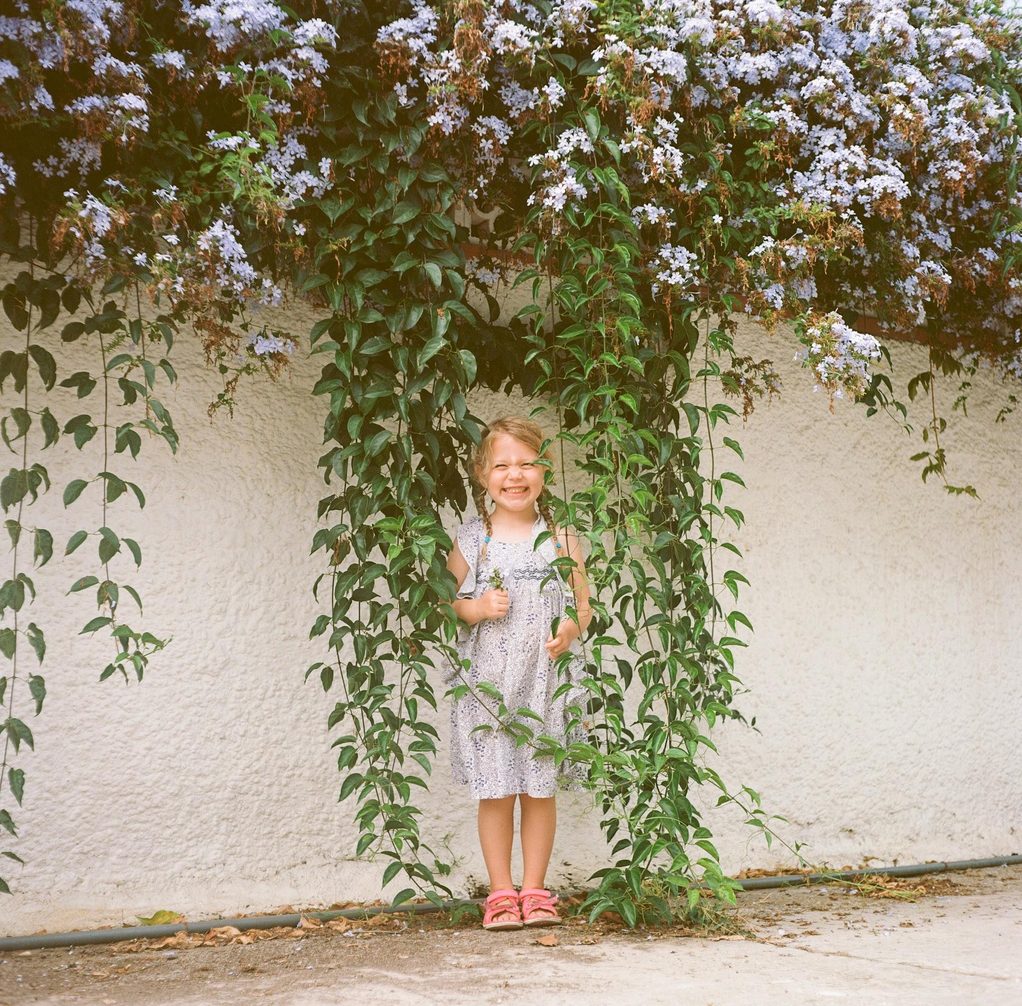 Flower Girl | Rolleicord | Ektar | Michael Rennie