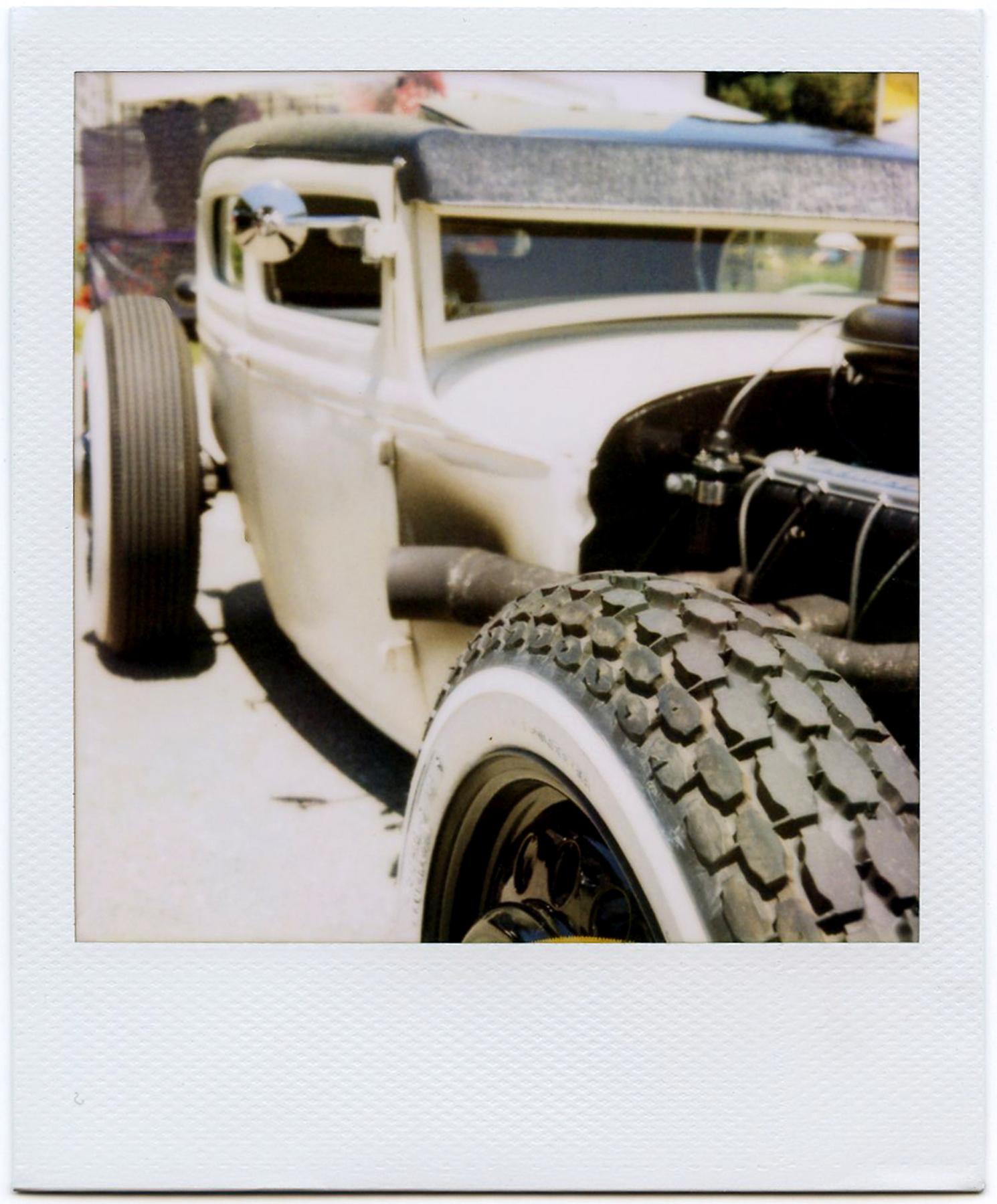 White Rod | Polaroid SX-70 Model 2 | Expired Polaroid 600 pack film