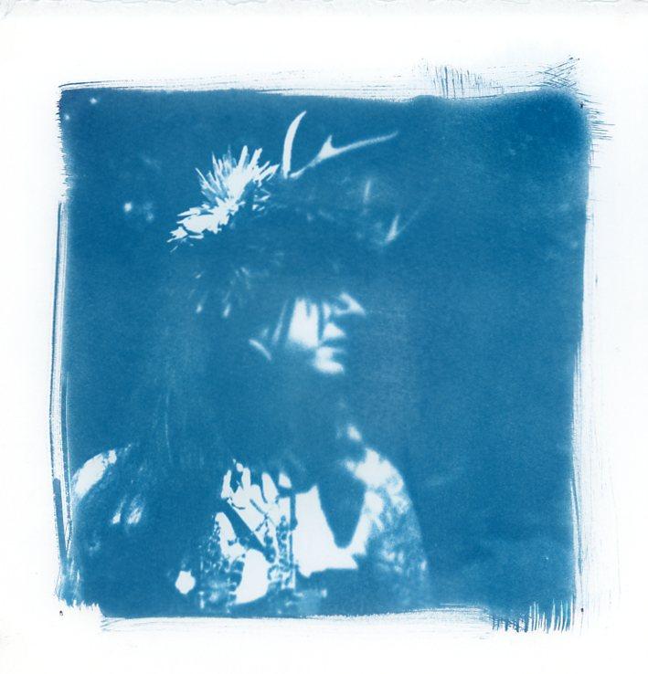 Jennifer Zehner -  Lili-Ane (in blue).