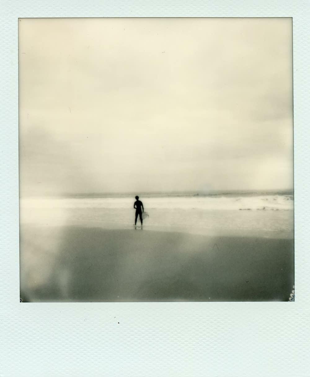 Ghost Surfer | @instant_surf