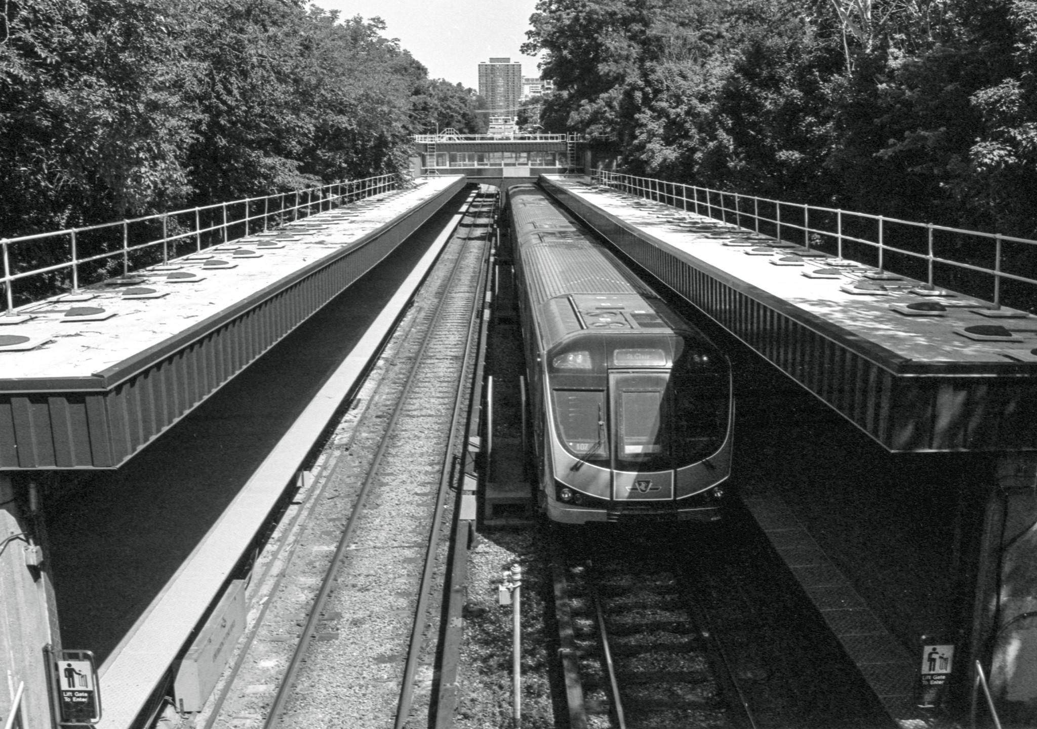 Rosedale Subway Station, Pentax KM, SMC Pentax K 28 f3.5 lens, Kosmo Mono 100