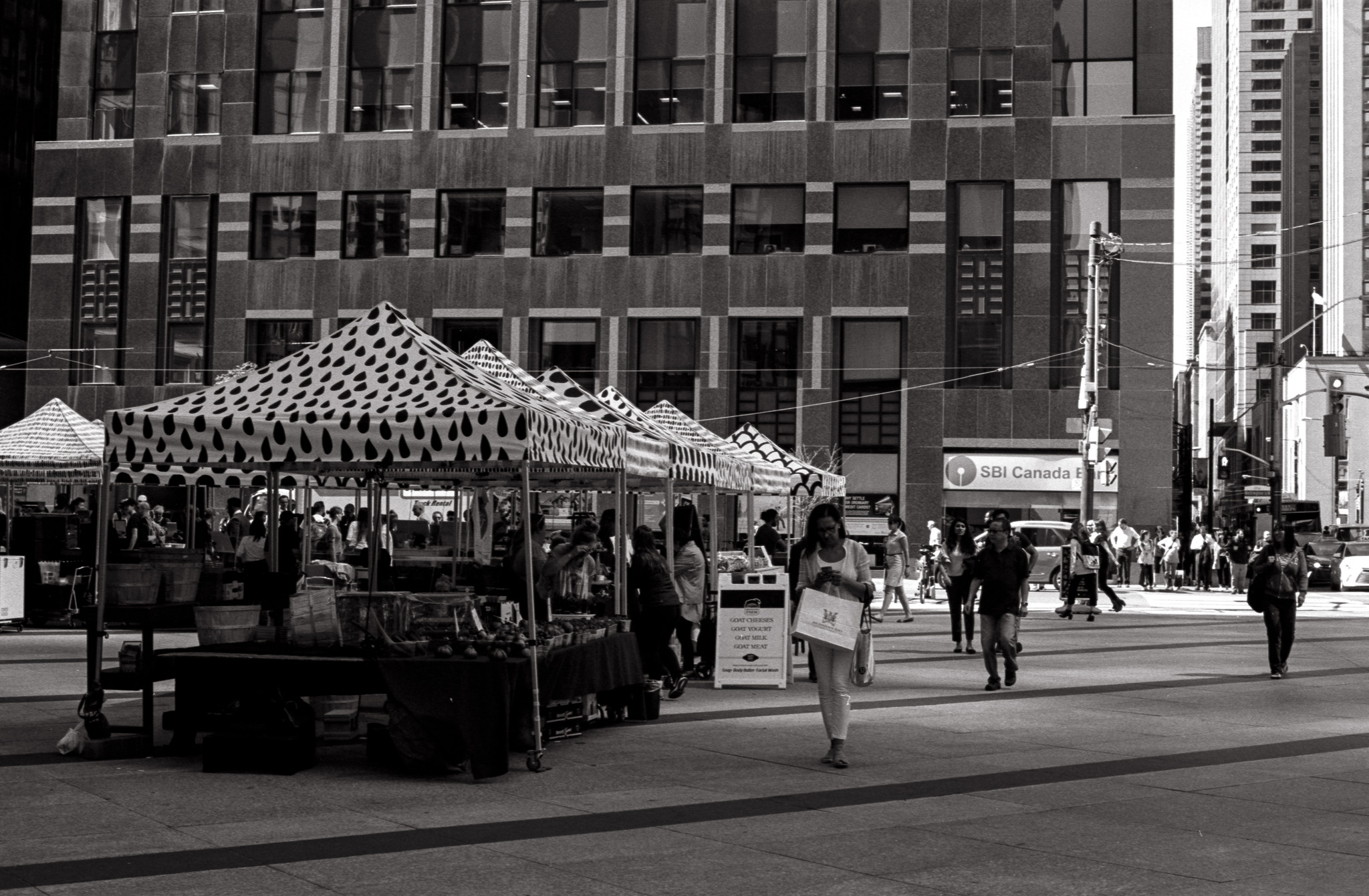Financial District Farmers Market, Pentax K2, SMC Pentax M 50 f1.4 lens, Kodak Tri-X 400
