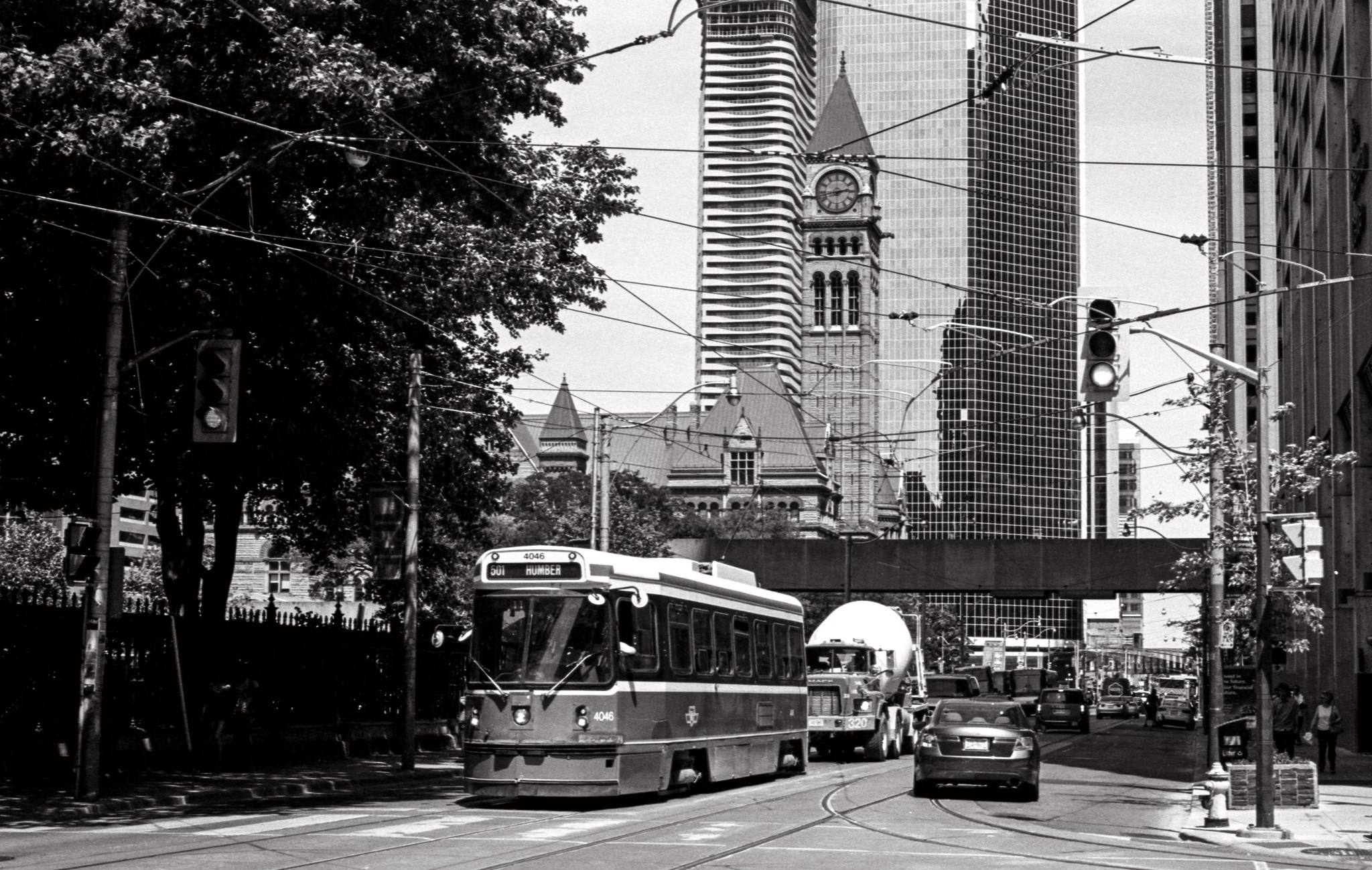Queen and York, Pentax K2, SMC Pentax M 50 f1.4 lens, Kodak Tri-X 400