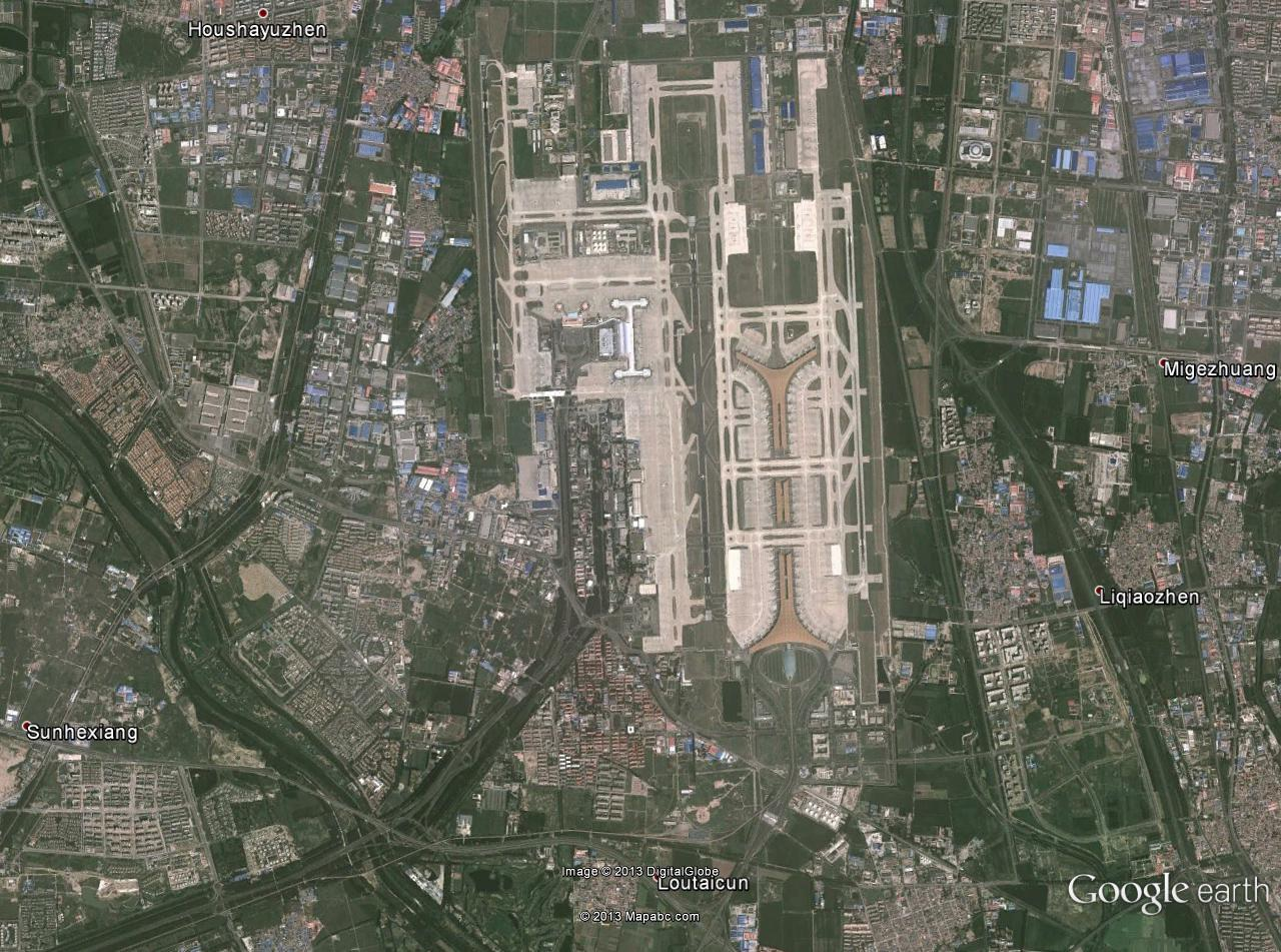 Satellite image of Beijing International Airport, by Google Earth.