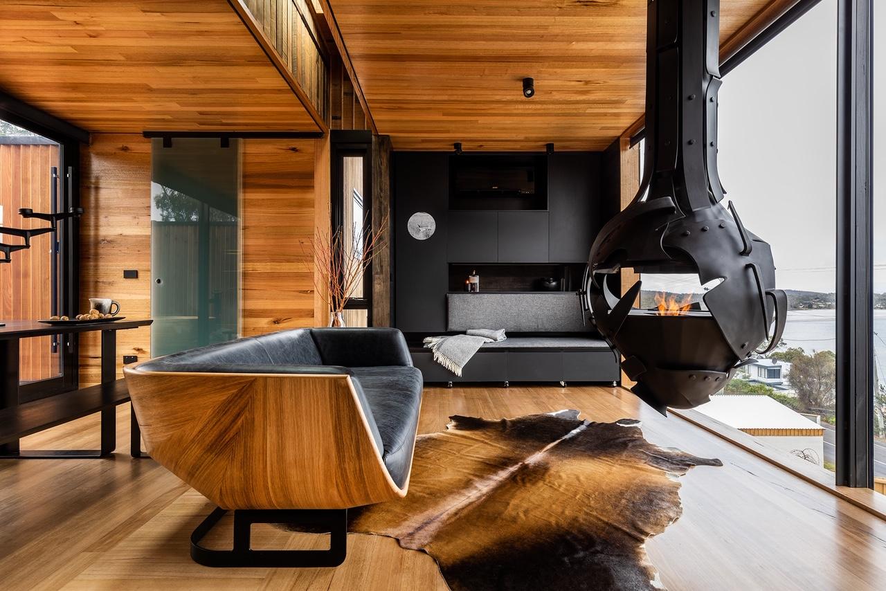 Pete-Mattila-fireplace-commission-Grand-Designs-Australia-2.jpeg