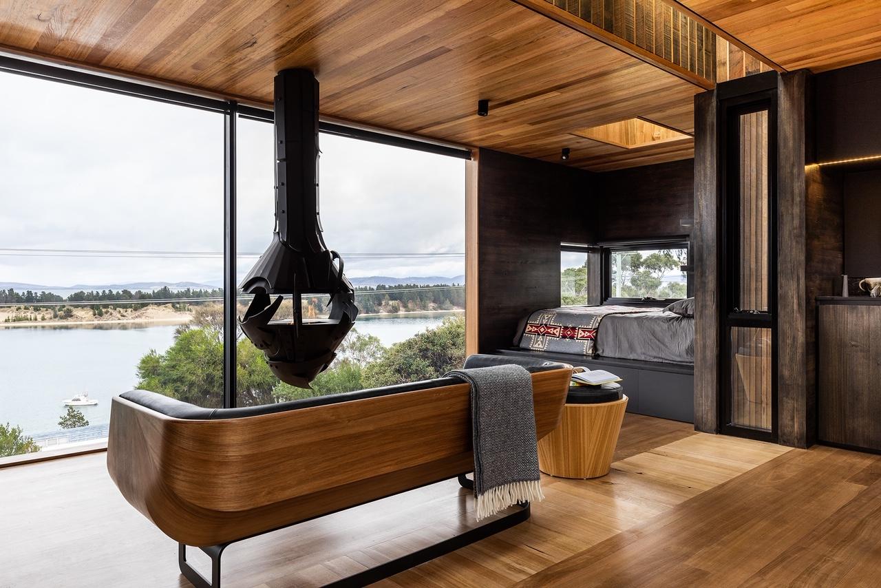 Pete-Mattila-fireplace-commission-Grand-Designs-Australia-4.jpeg