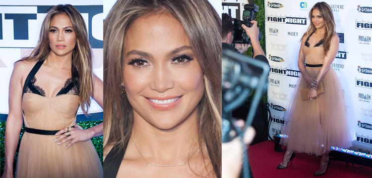 Jennifer Lopez on the red carpet. Yes, she glows!