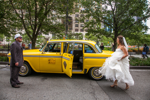 01Rustic-Meets-Urban-Brooklyn-Wedding-JoshuaZuckerman-bride-taxi.jpg