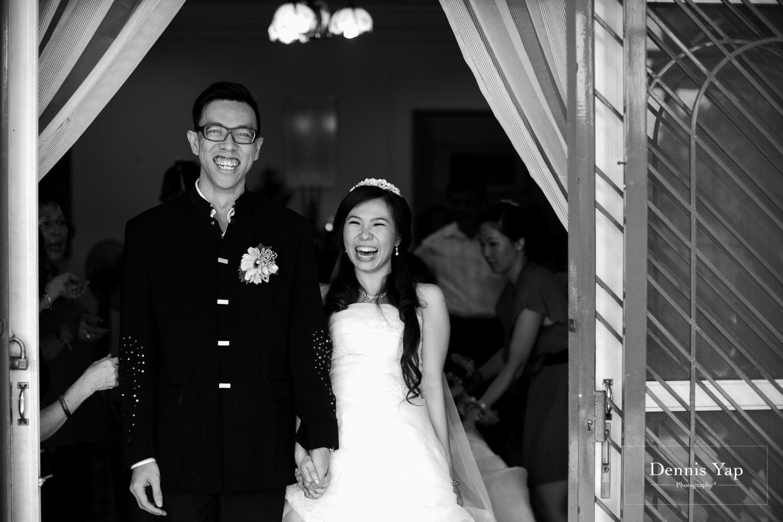 jake yu hwan melaka wedding gate crash by dennis yap photography elderly moments and emotions hugs-22.jpg