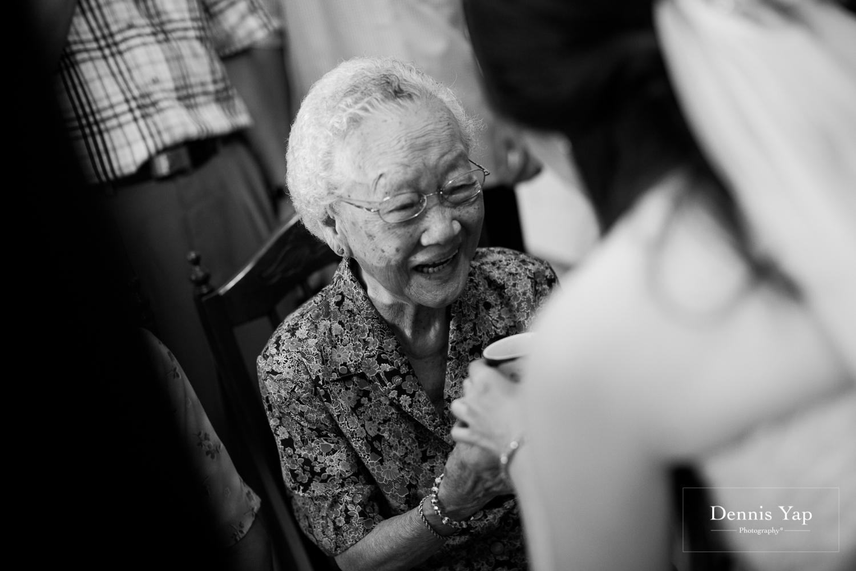 jake yu hwan melaka wedding gate crash by dennis yap photography elderly moments and emotions hugs-30.jpg