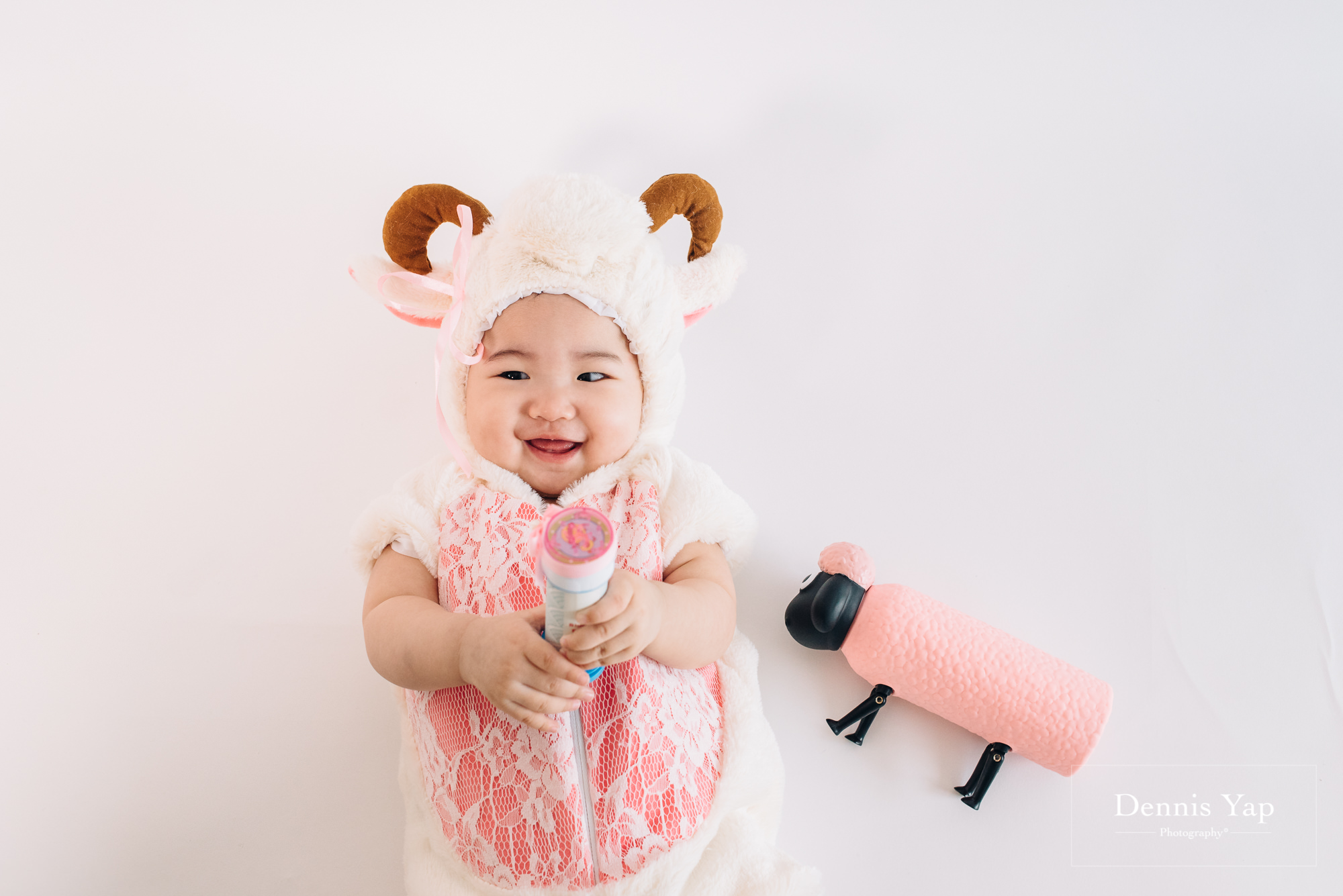 isaac evon family baby portrait funny style dennis yap photography-16.jpg