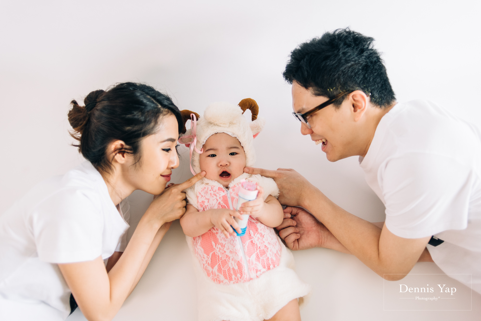 isaac evon family baby portrait funny style dennis yap photography-17.jpg