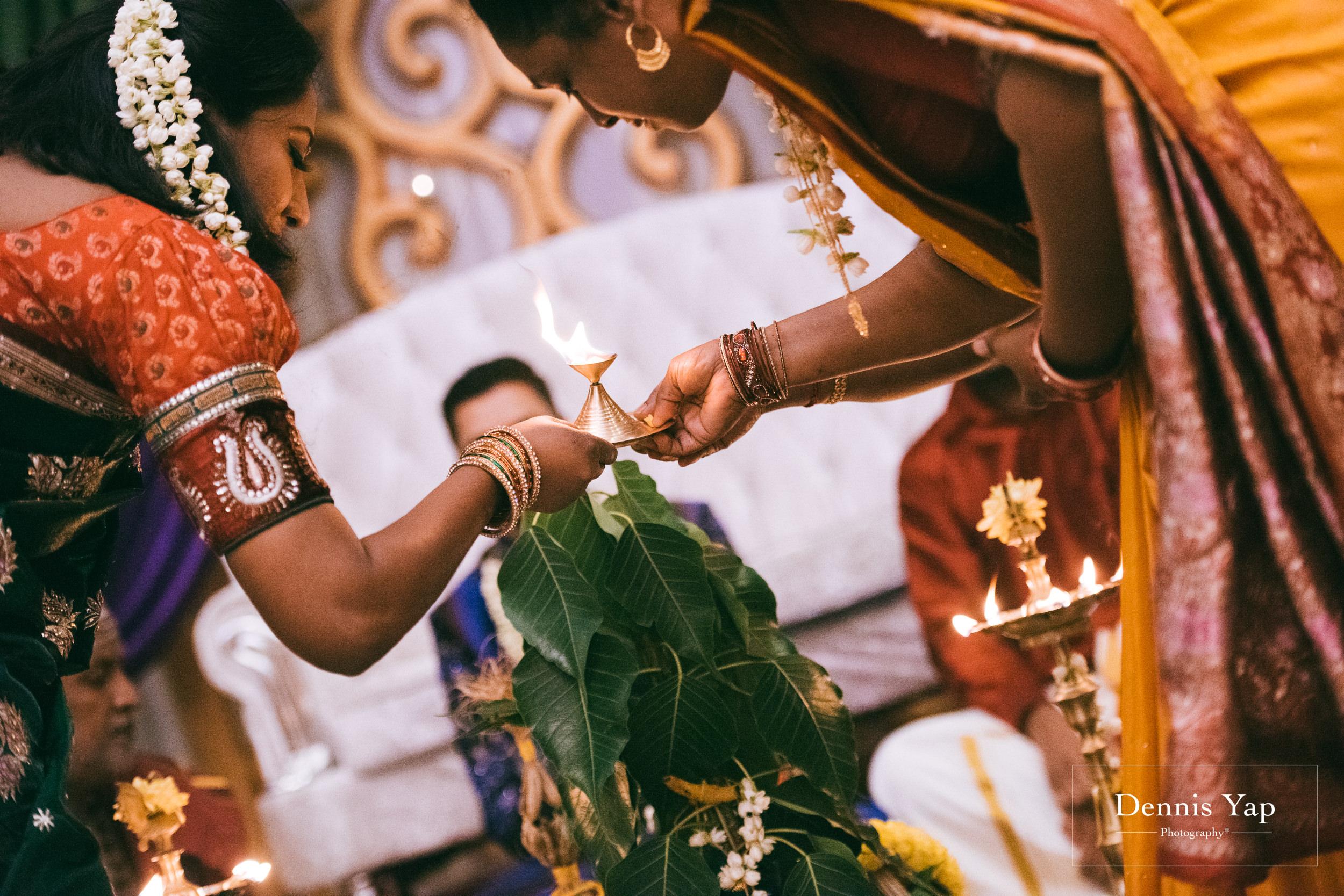puvaneswaran cangitaa indian wedding ceremony ideal convention dennis yap photography malaysia-13.jpg