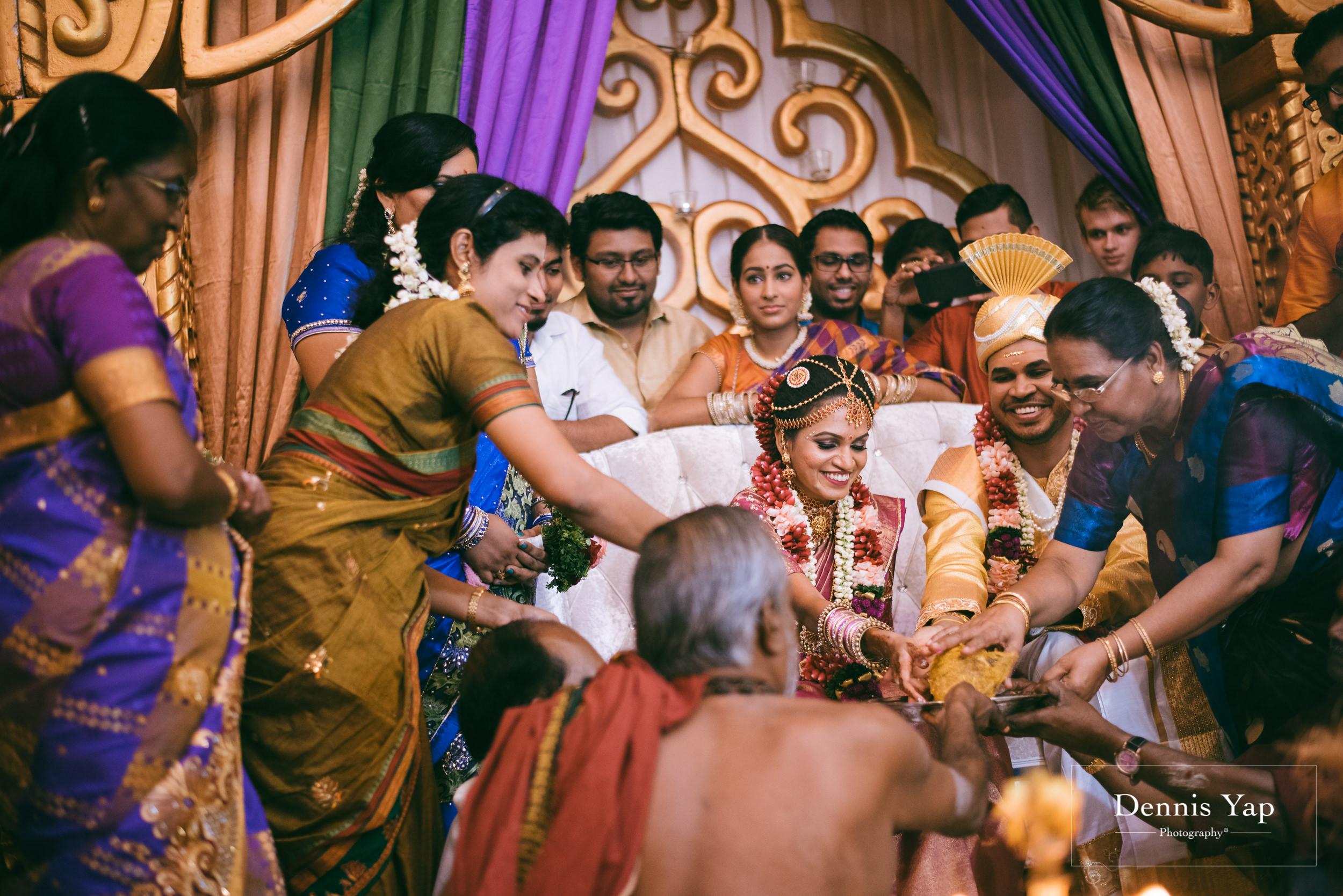 puvaneswaran cangitaa indian wedding ceremony ideal convention dennis yap photography malaysia-22.jpg