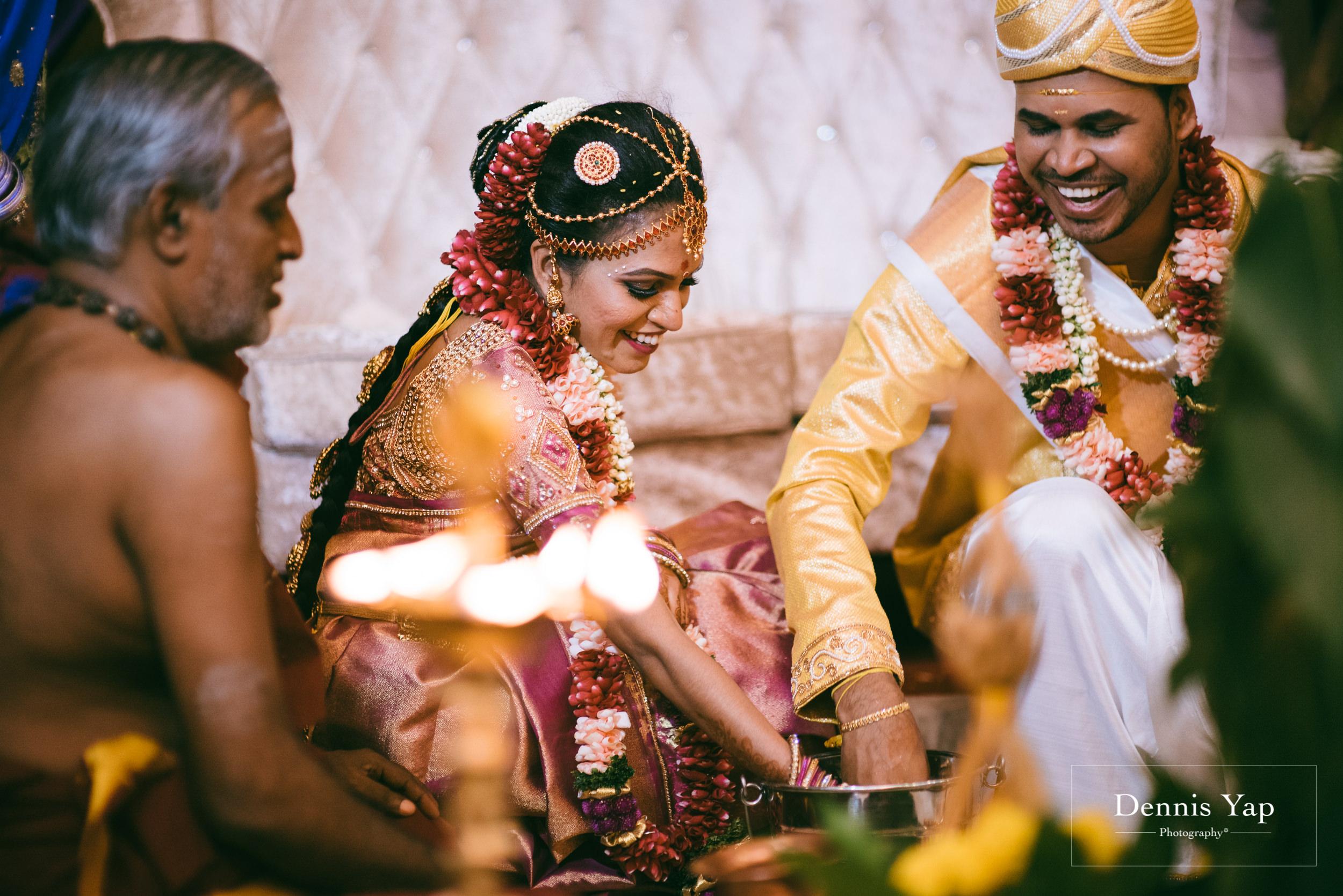 puvaneswaran cangitaa indian wedding ceremony ideal convention dennis yap photography malaysia-31.jpg